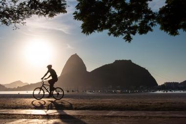 COMO TORNAR VIÁVEL O USO DAS BICICLETAS NAS CIDADES BRASILEIRAS? VEJA PROJETOS QUE DÃO CERTO
