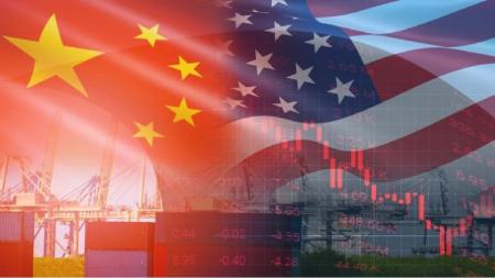 DISPUTA EUA-CHINA: ESPERANÇAS DE ACORDO AUMENTAM COM POSSÍVEL FLEXIBILIZAÇÃO DE TARIFAS
